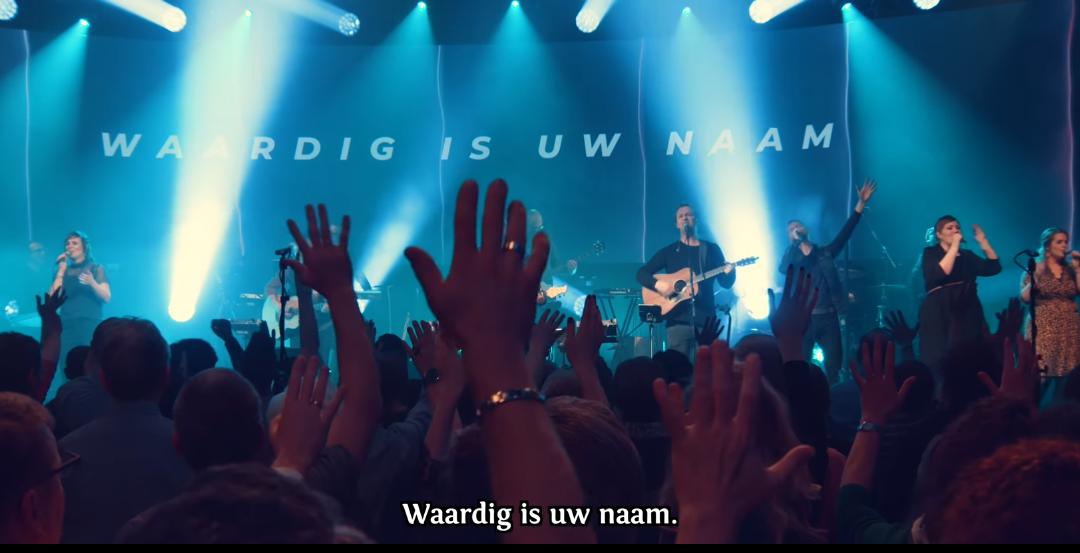 'Waardig is Uw naam' = Opwekking 828!